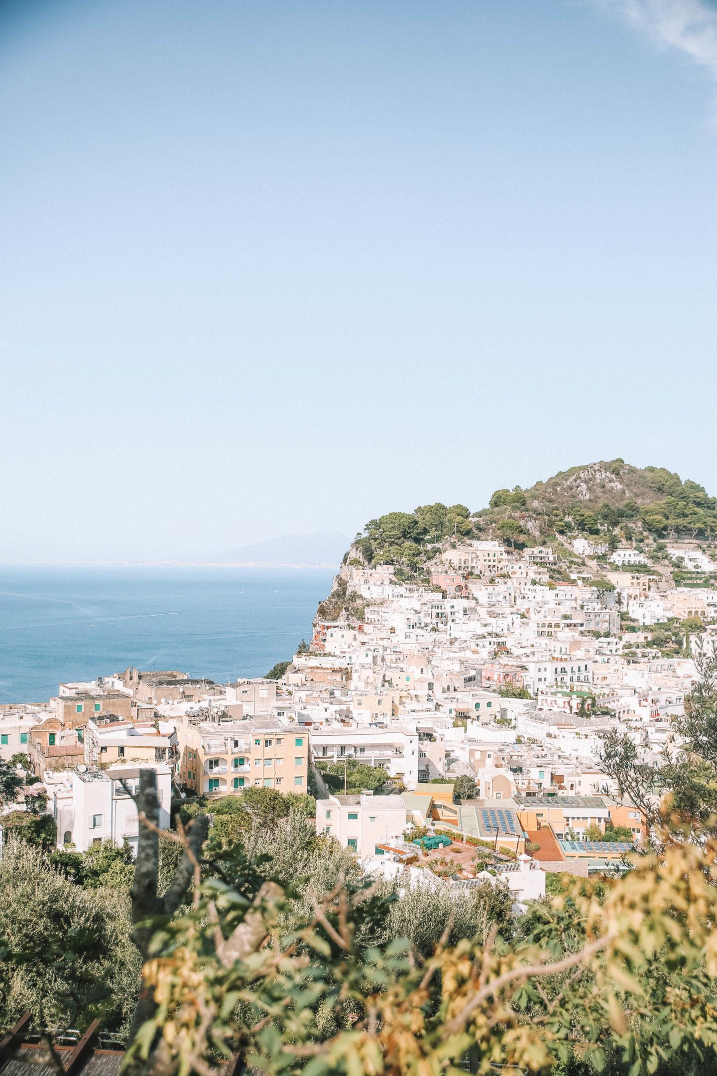 Vue de Capri Italie - Blondie baby blog mode et voyages