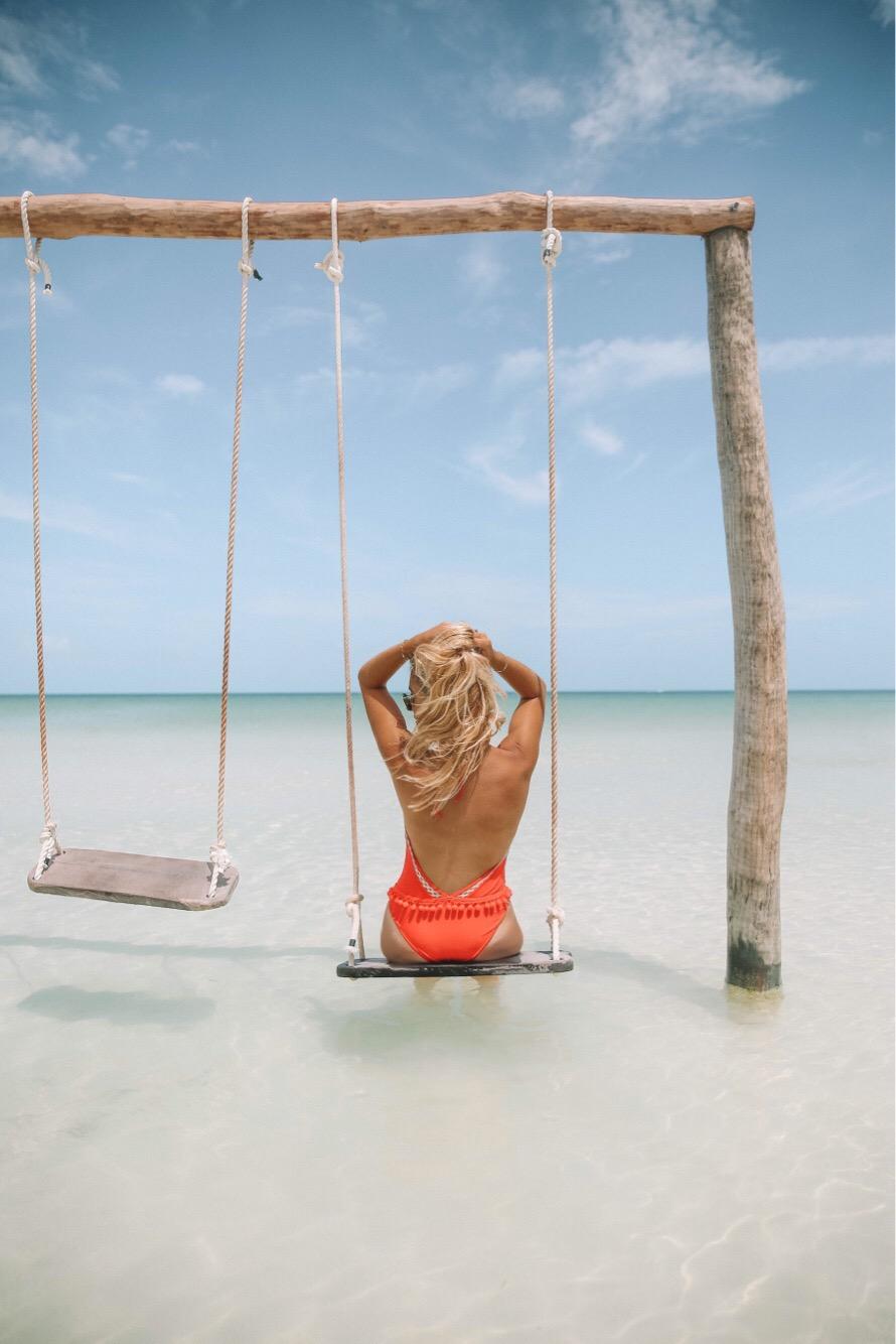 Maillot de bain Revolve clothing - Blondie baby blog mode et voyages