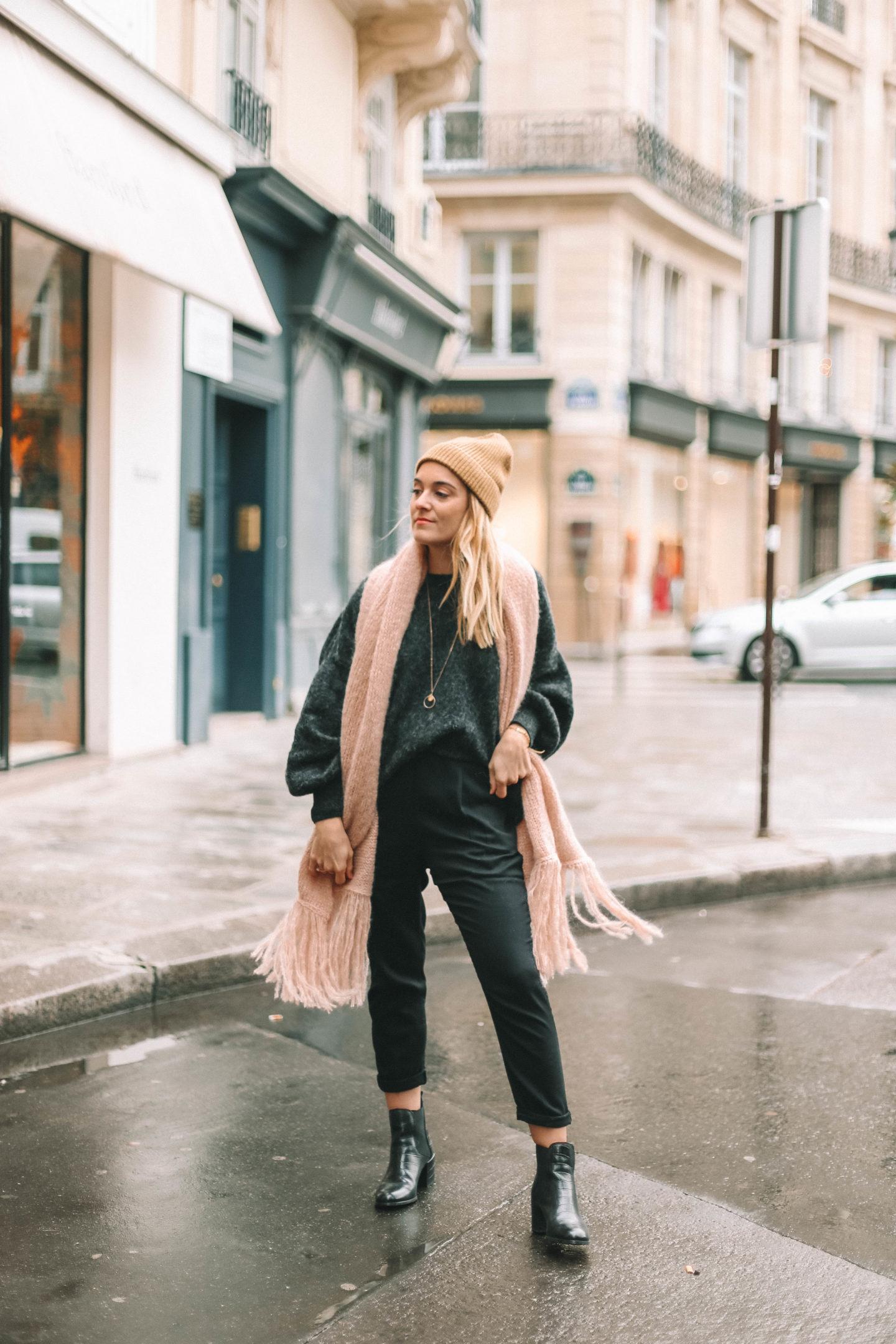 Boots noires Texto - Blondie baby blog mode et voyages