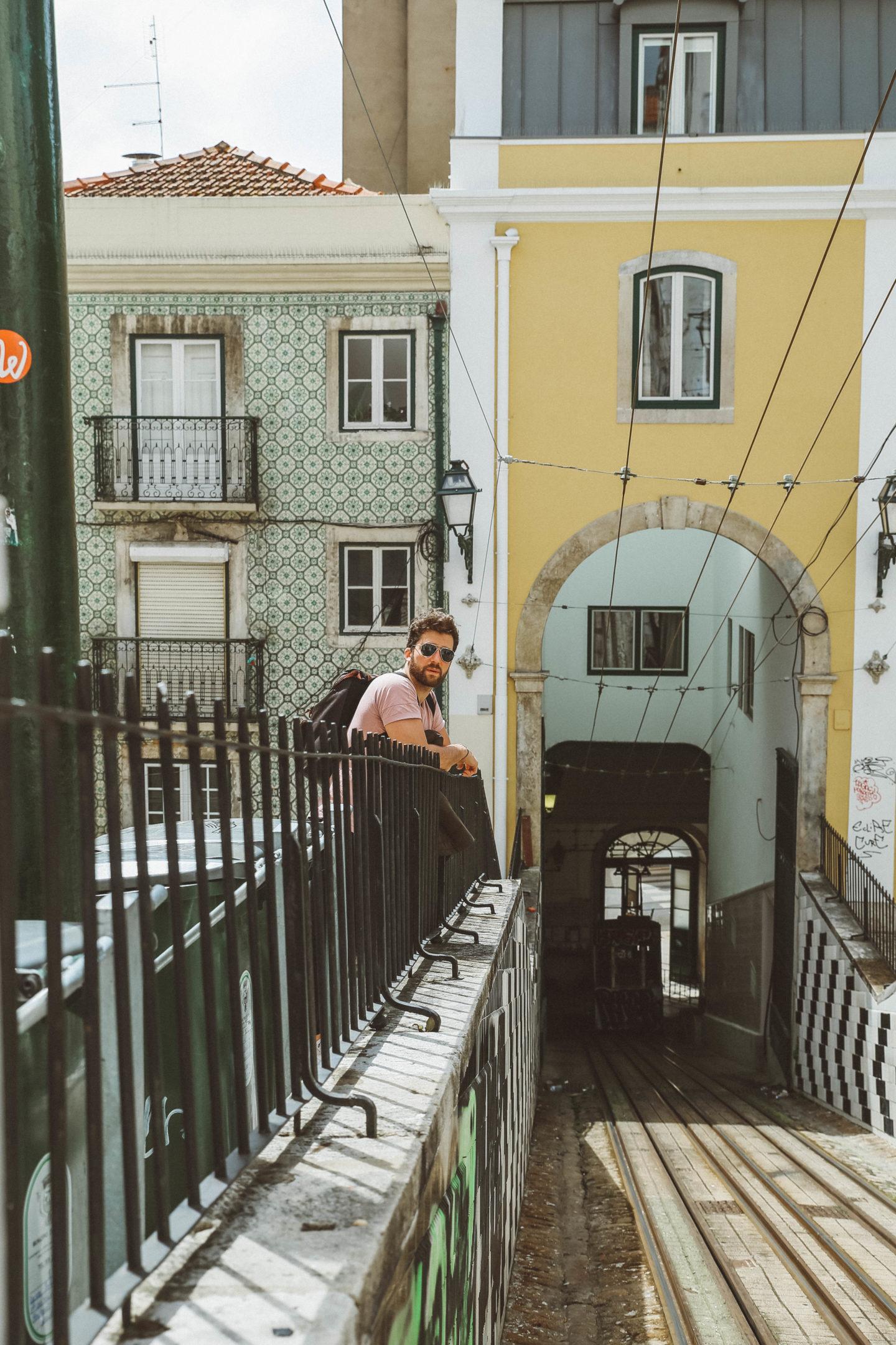 Tramway Lisbonne - Blondie Baby blog mode Paris et voyages
