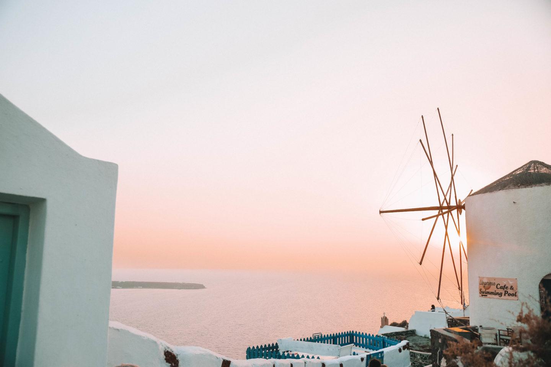 Coucher de soleil Oìa - Blondie Baby blog mode et voyages
