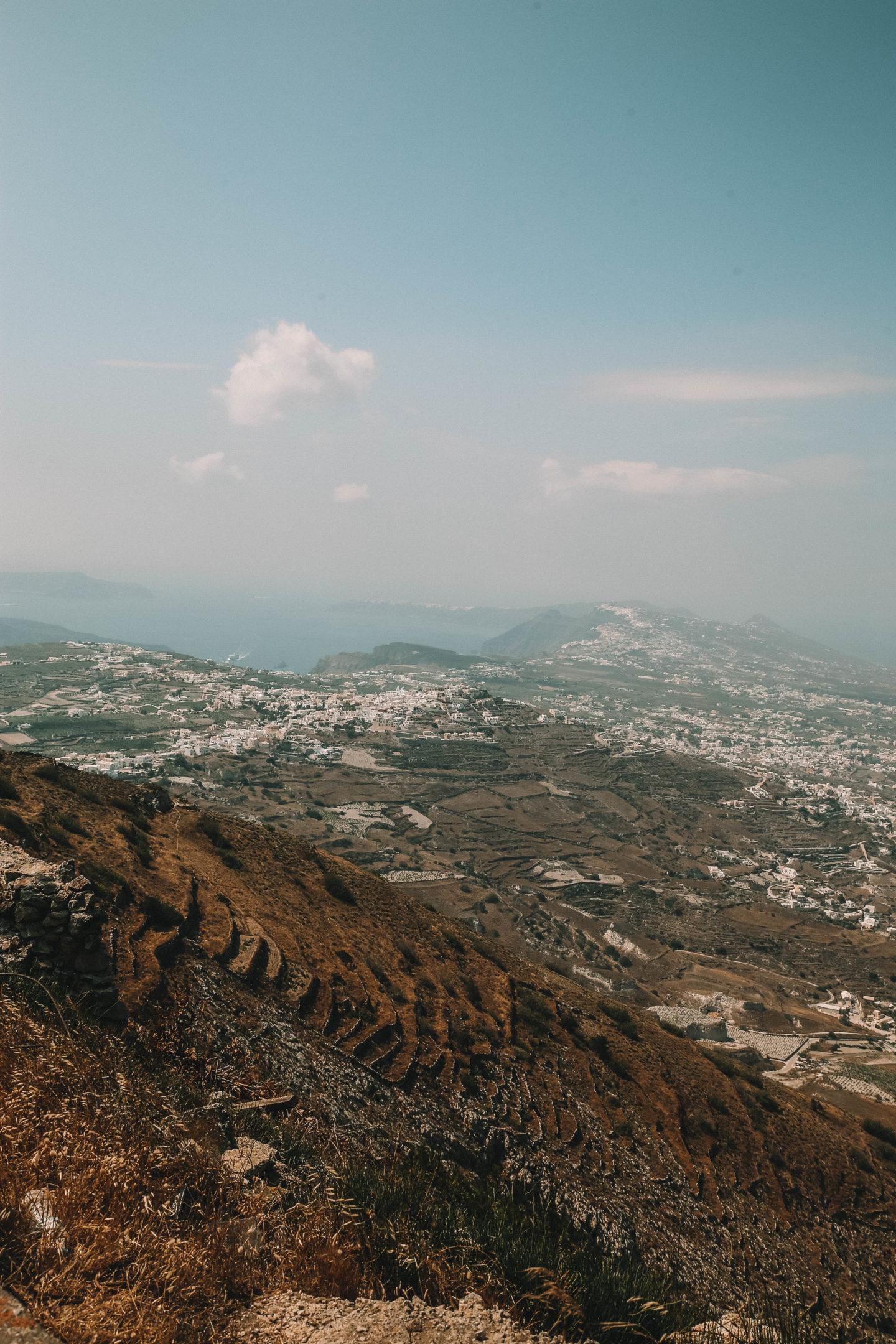 Point de vue Santorini - Blondie Baby blog mode et voyages
