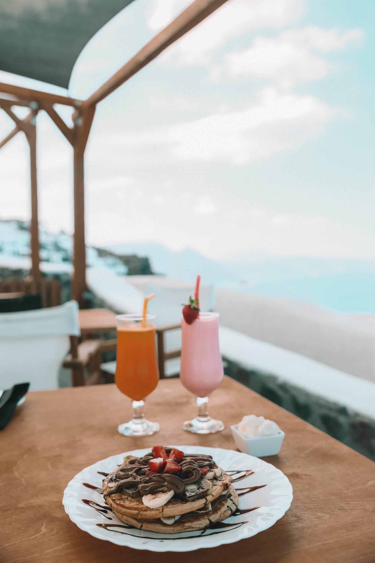 Café Mes Amis Santorin - Blondie Baby blog mode et voyages