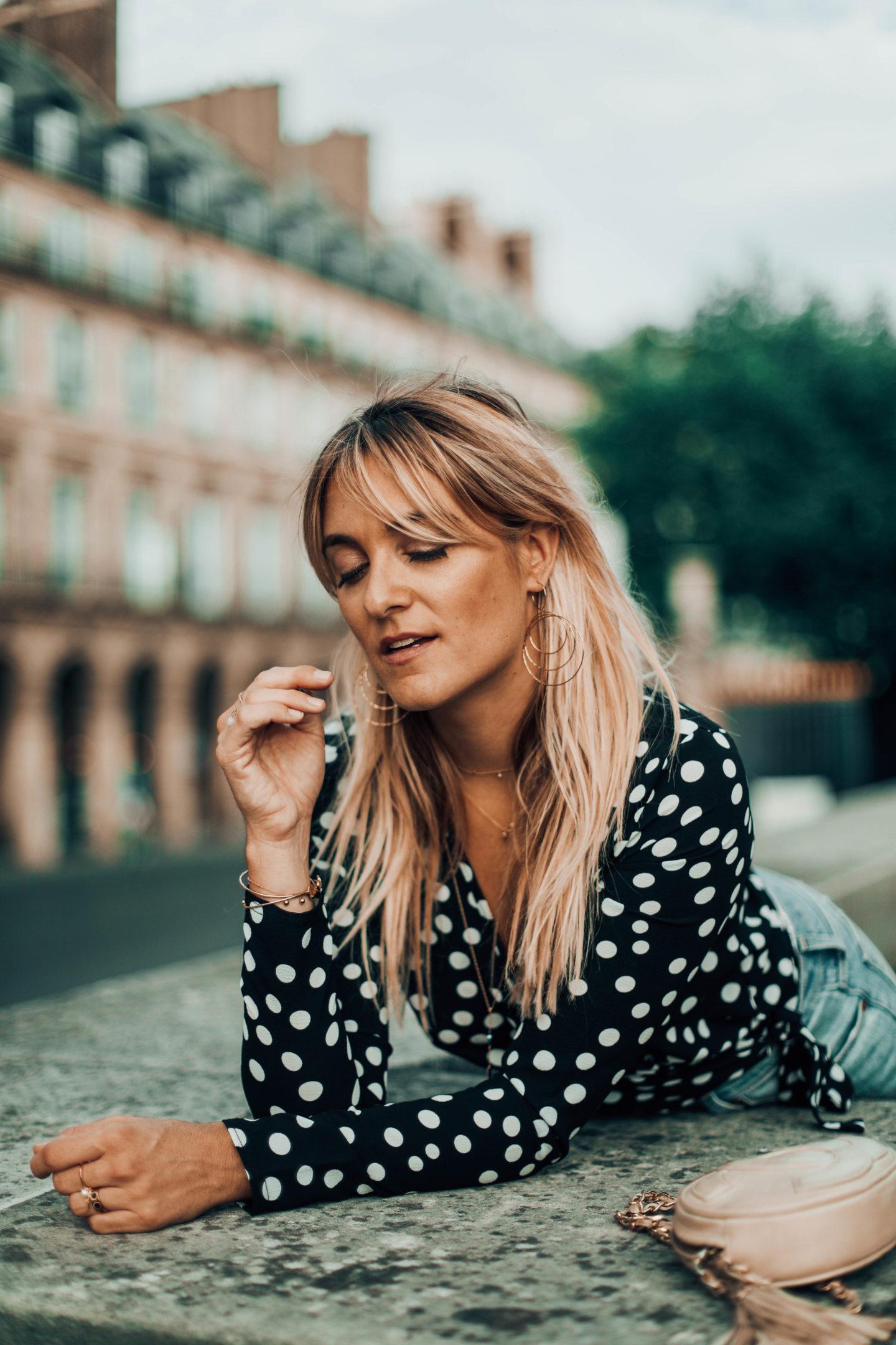 Boucles d'oreilles dorées - Blondie Baby blog mode Paris et voyages
