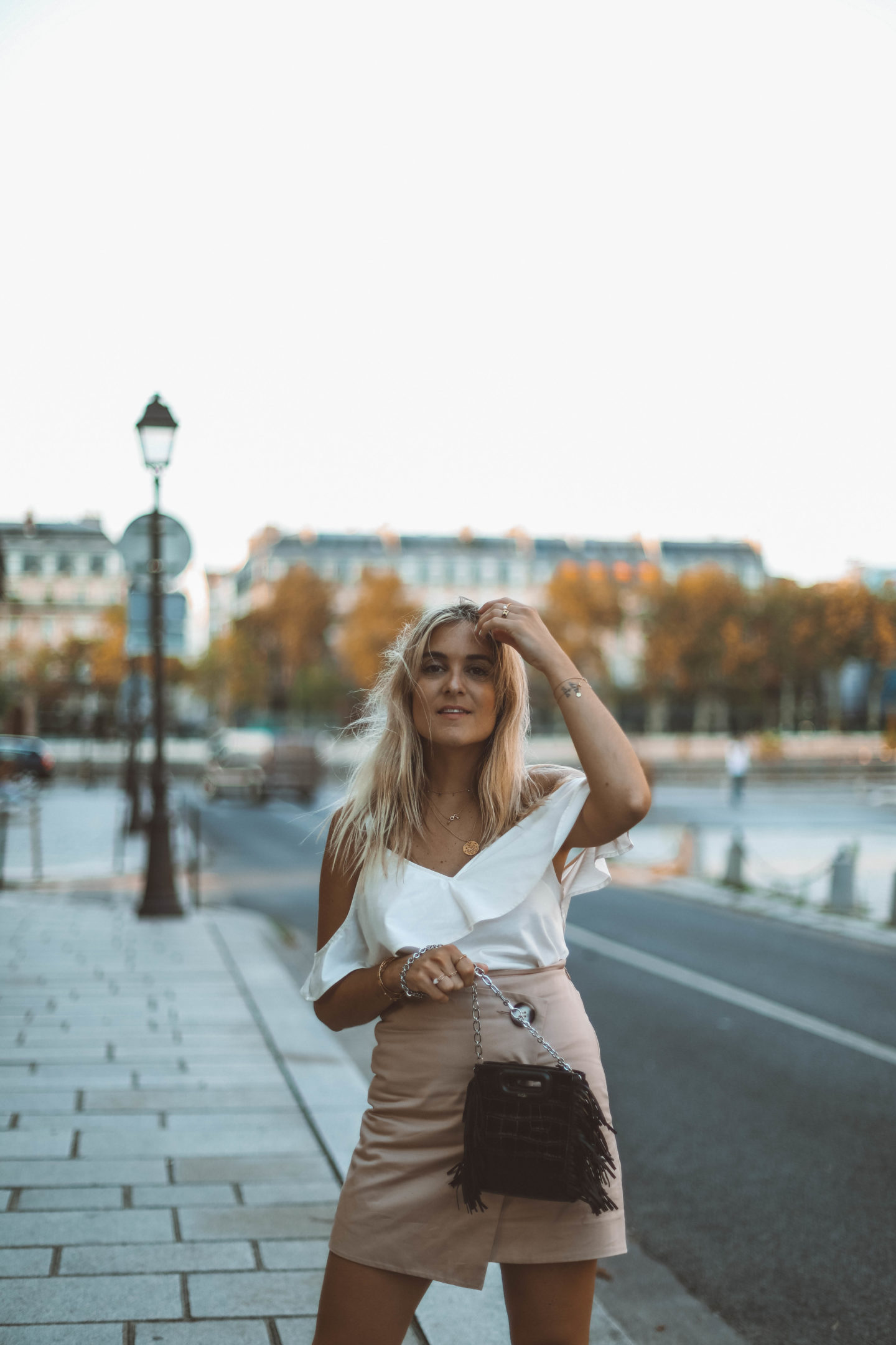 Golden Hour - Blondie baby blog mode Paris et voyages