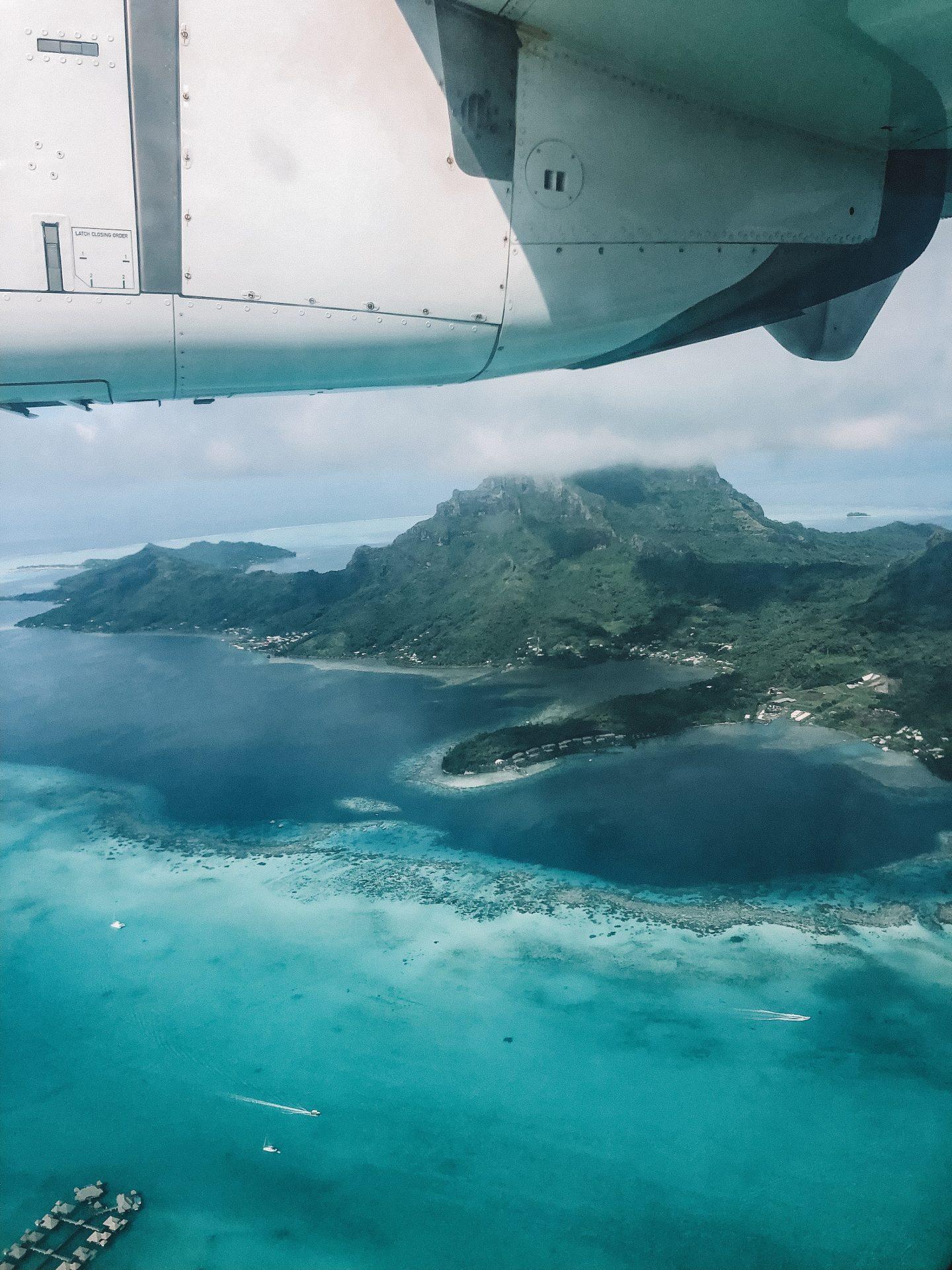 Avion Bora Bora - Blondie Baby blog voyages et mode
