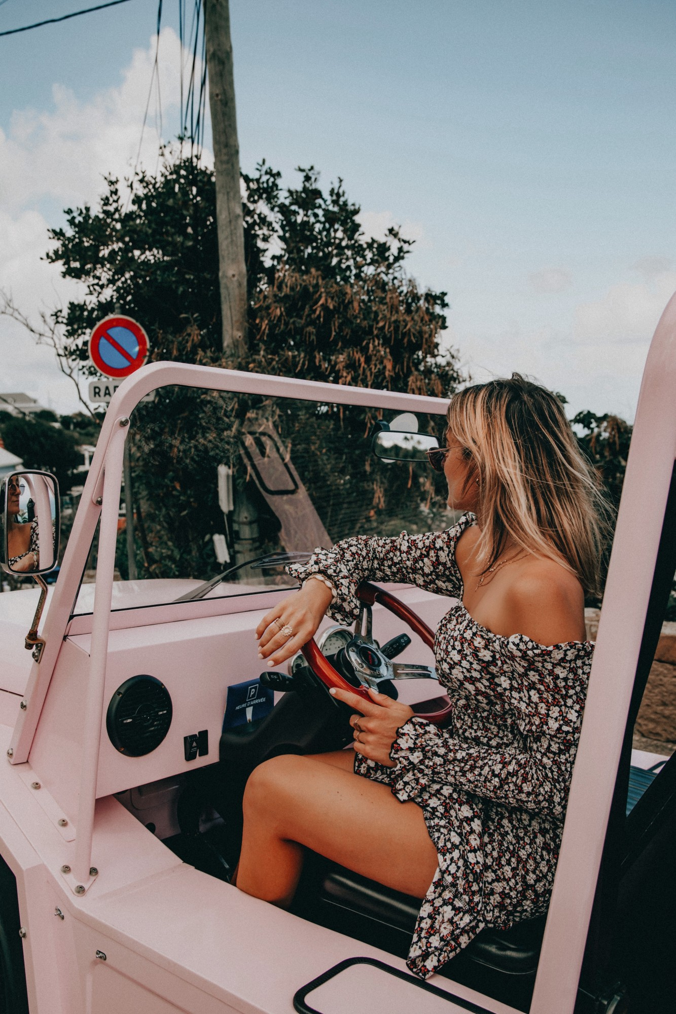 Moke Car - Blondie Baby blog voyage