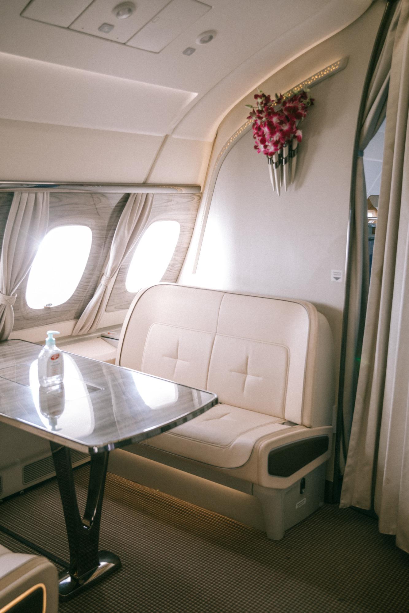 Lounge Emirates - Blondie Baby blog voyages
