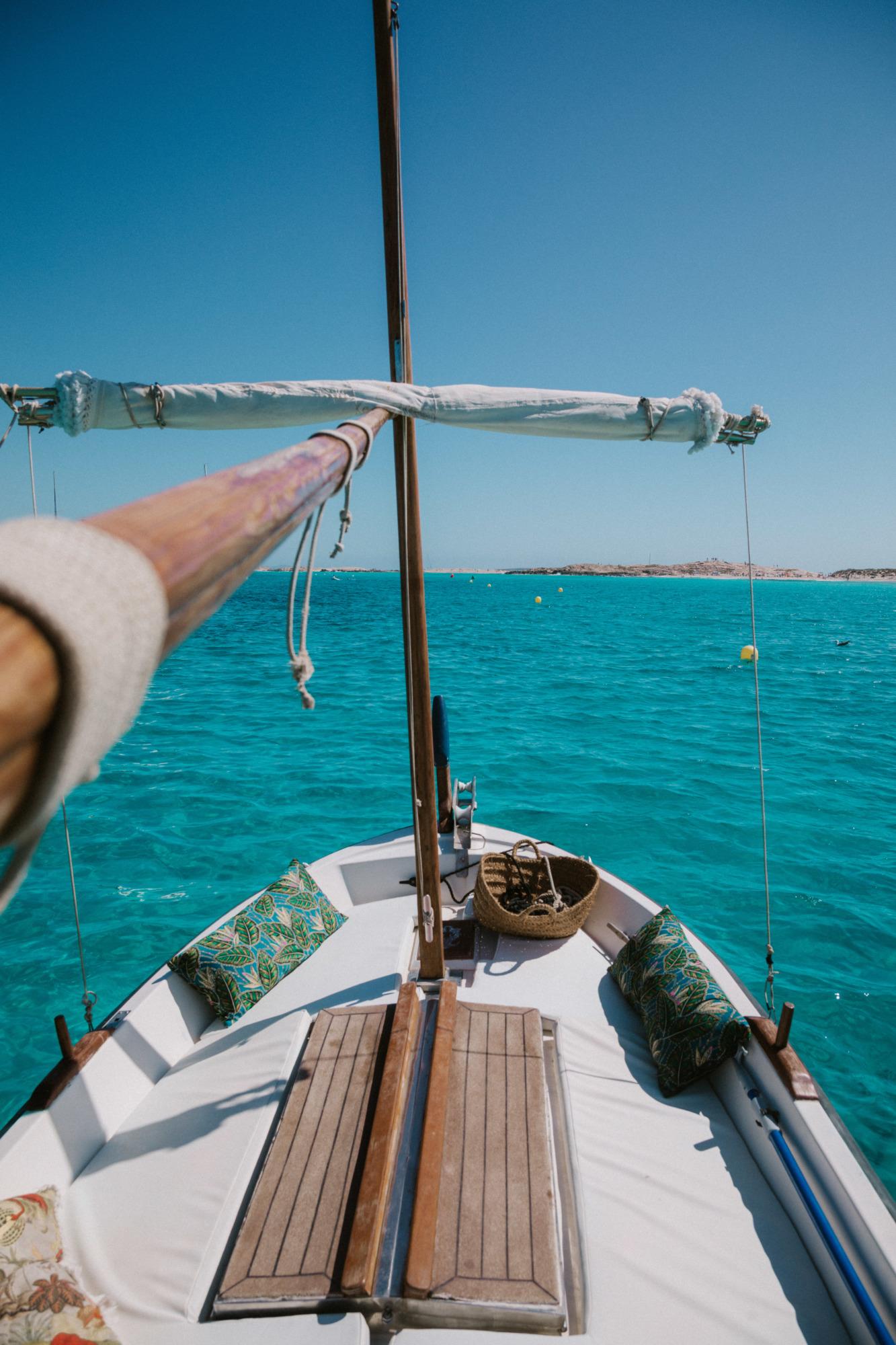 Faire du bateau à Formentera - Blondie Baby blog voyage