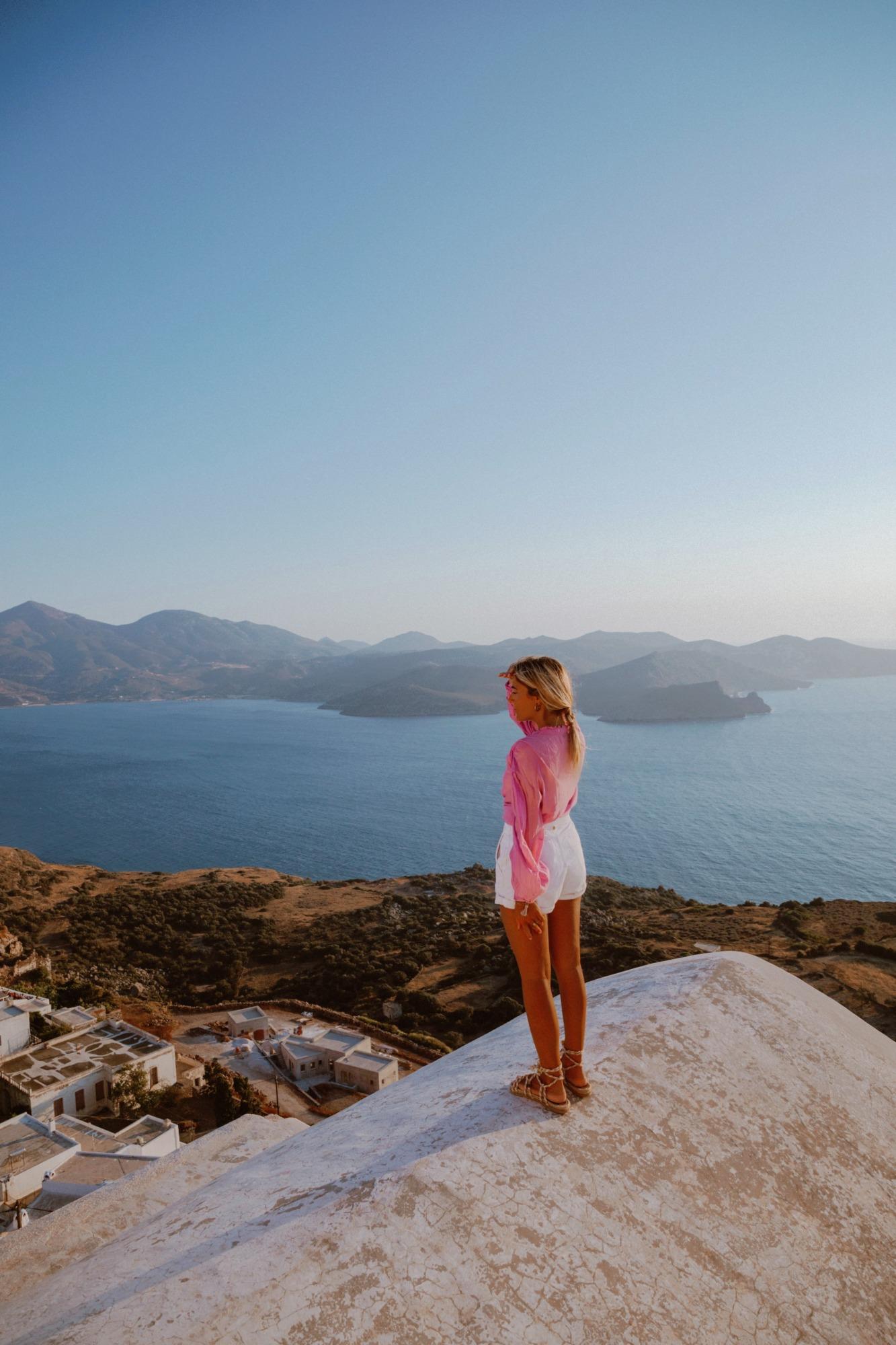 Coucher de soleil à Kastro Milos - Blondie Baby blog voyage