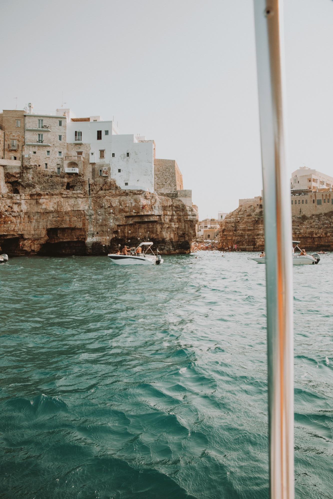 Louer un bateau sans permis dans les Pouilles - Blondie Baby blog voyages